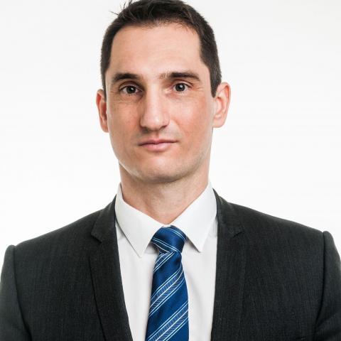 Dr. Łuszcz Viktor